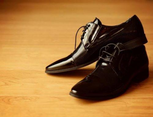 Sapatos do noivo: saiba o modelo ideal Como ornar o sapato ao seu estilo de casamento